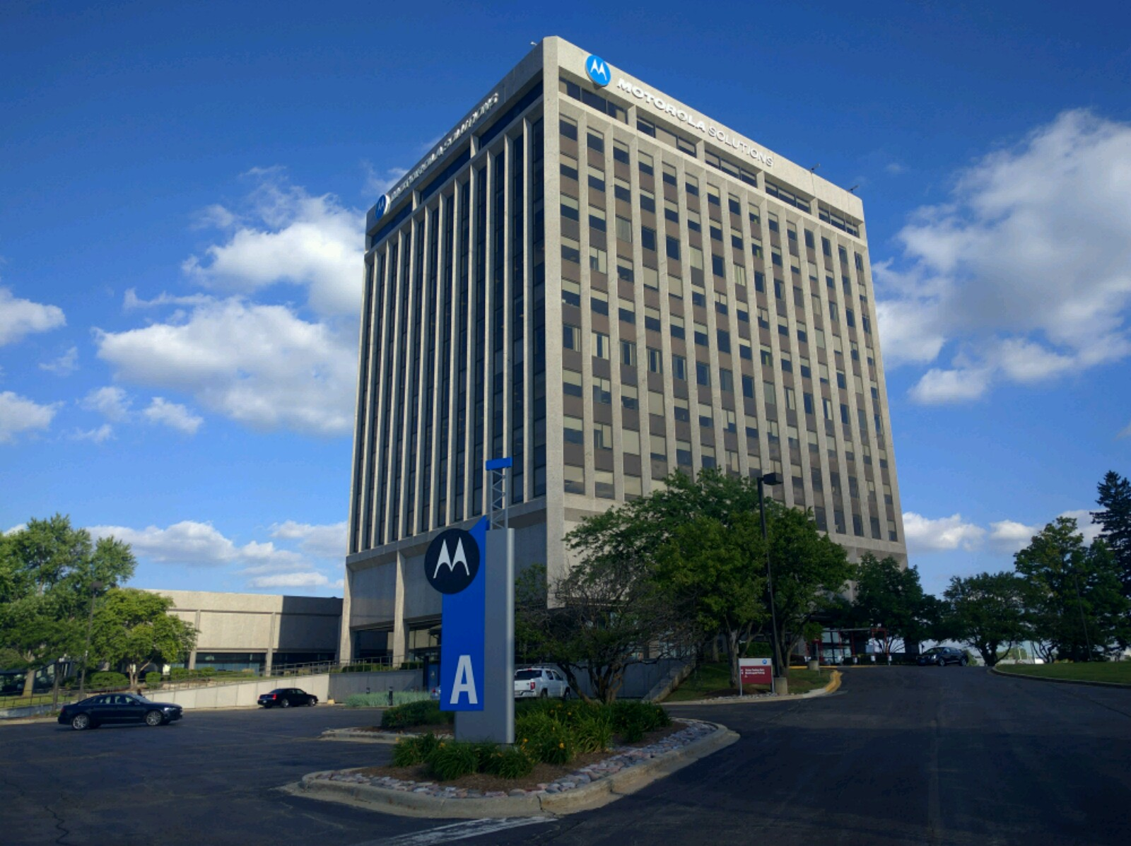 Building A on Motorola Solutions' corporate campus in Schaumburg, Illinois.
